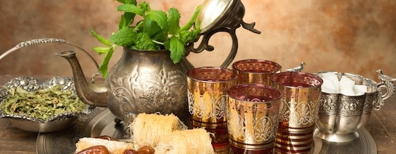 Moroccan-Mint-Tea-and-pastries
